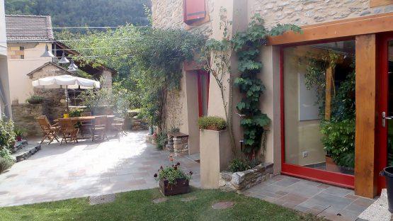 CBIT - Entrée - Les Volets Rouges - Garanou - Ariège