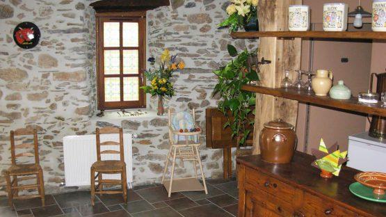 CBIT - Salle à manger - Les Volets Rouges - Garanou - Ariège